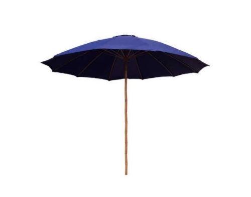 Tmavo modrý slnečník s bambusovou tyčou